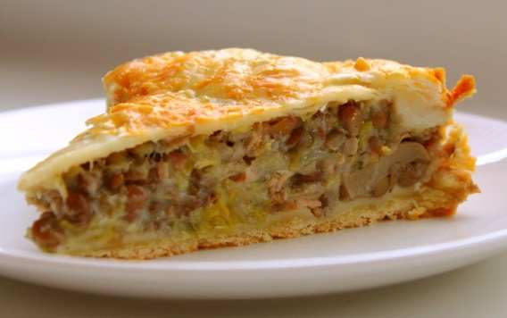 Leek, Mushroom, Potato and Lentil Pie